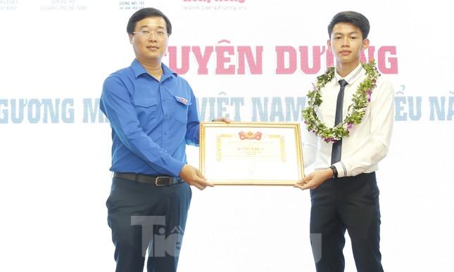 Toàn cảnh lễ tuyên dương Gương mặt trẻ Việt Nam tiêu biểu năm 2019 ảnh 7