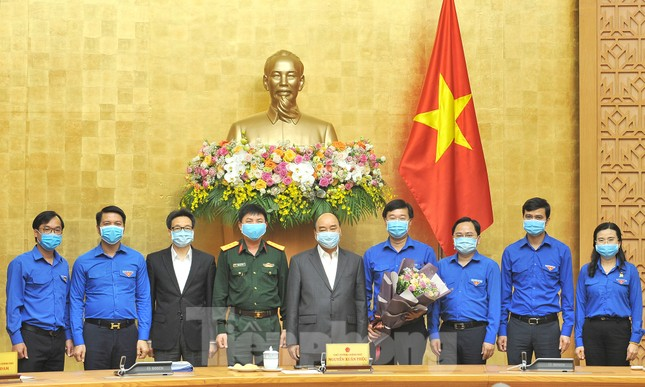 Thủ tướng Nguyễn Xuân Phúc: Tập trung tách nhóm nguy cơ, tránh lây lan dịch COVID-19 ảnh 6