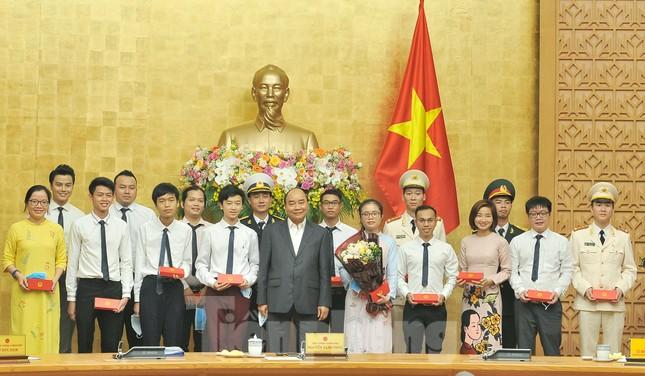 Toàn cảnh lễ tuyên dương Gương mặt trẻ Việt Nam tiêu biểu năm 2019 ảnh 2