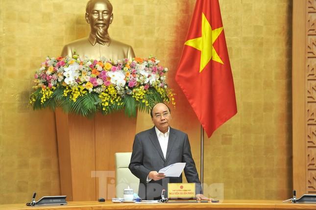 Thủ tướng Nguyễn Xuân Phúc: Tập trung tách nhóm nguy cơ, tránh lây lan dịch COVID-19 ảnh 5