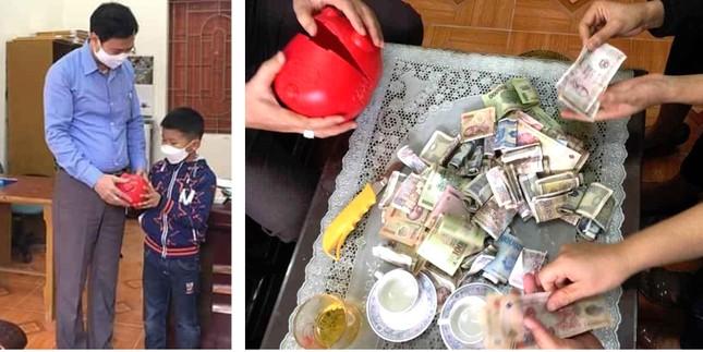 Vợ chồng tình nguyện cắm chốt chống dịch; thiếu nhi tặng lợn đầy tiền, bán hàng ủng hộ ảnh 2