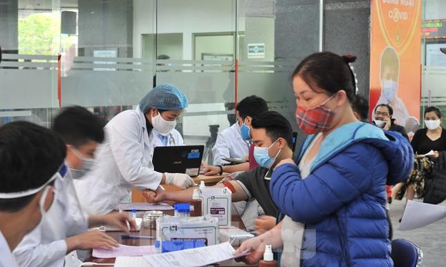 Gia đình hiến máu mừng sinh nhật trong bão dịch COVID-19 ảnh 3