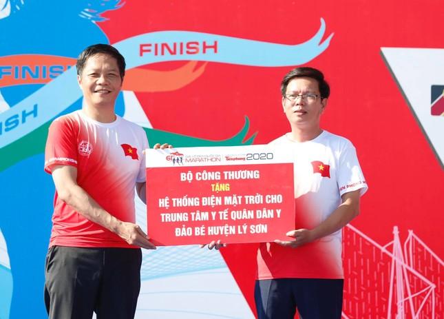 Tiền Phong Marathon vươn tầm thành một sự kiện lớn về biển đảo ảnh 7