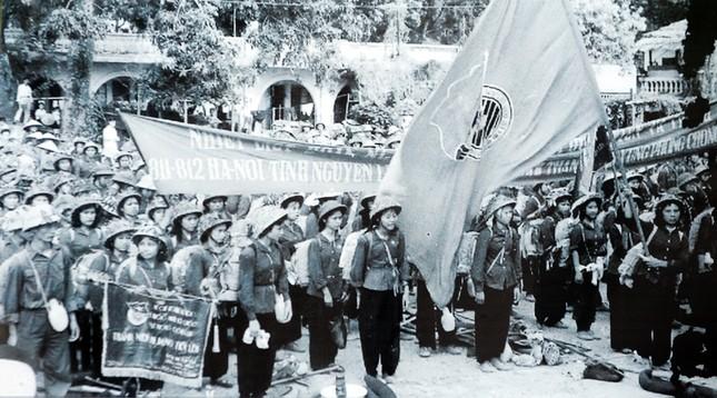 Những 'bóng hồng' thanh niên xung phong xây dựng và bảo vệ Tổ quốc ảnh 4