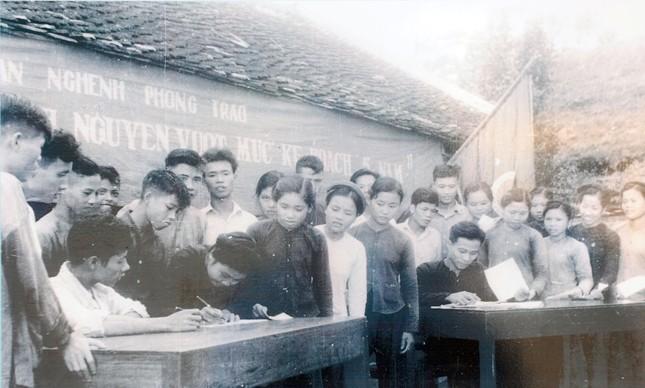 Những 'bóng hồng' thanh niên xung phong xây dựng và bảo vệ Tổ quốc ảnh 3