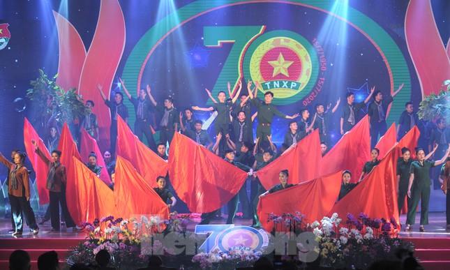Trong những dấu mốc lịch sử Việt Nam đều có Lực lượng TNXP ảnh 1