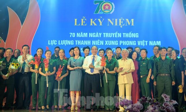 Trong những dấu mốc lịch sử Việt Nam đều có Lực lượng TNXP ảnh 18
