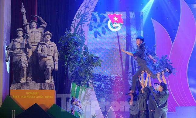 Trong những dấu mốc lịch sử Việt Nam đều có Lực lượng TNXP ảnh 7