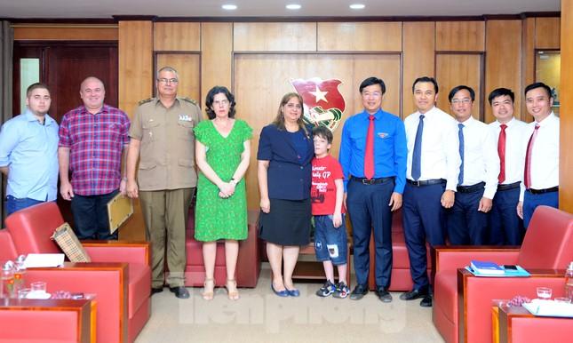 Tặng kỷ niệm chương 'Vì thế hệ trẻ' cho Phó Đại sứ Cuba tại Việt Nam ảnh 3