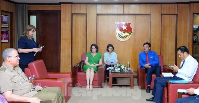 Tặng kỷ niệm chương 'Vì thế hệ trẻ' cho Phó Đại sứ Cuba tại Việt Nam ảnh 2