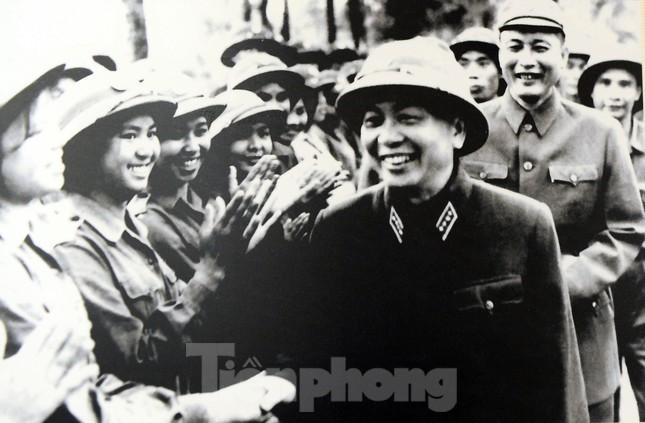 Khoảnh khắc phụ nữ Việt Nam từ 'bông hồng thép' đến 'cô gái vàng' ảnh 6