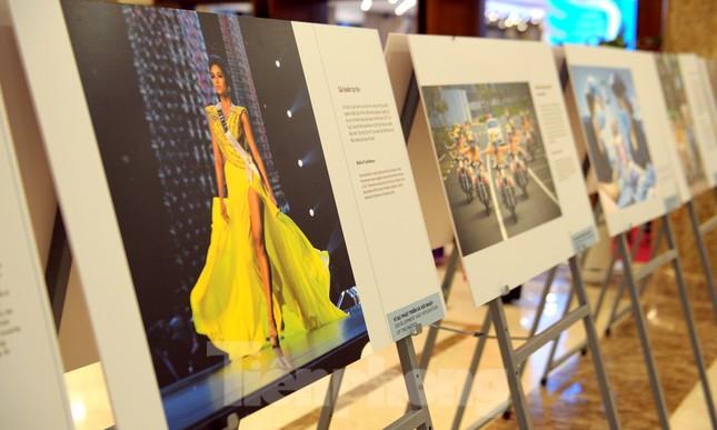 Khoảnh khắc phụ nữ Việt Nam từ 'bông hồng thép' đến 'cô gái vàng' ảnh 11