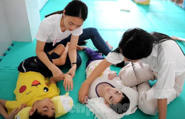 Ban tổ chức Hoa hậu Việt Nam thăm, tặng quà Trung tâm bảo trợ trẻ em Vũng Tàu ảnh 10