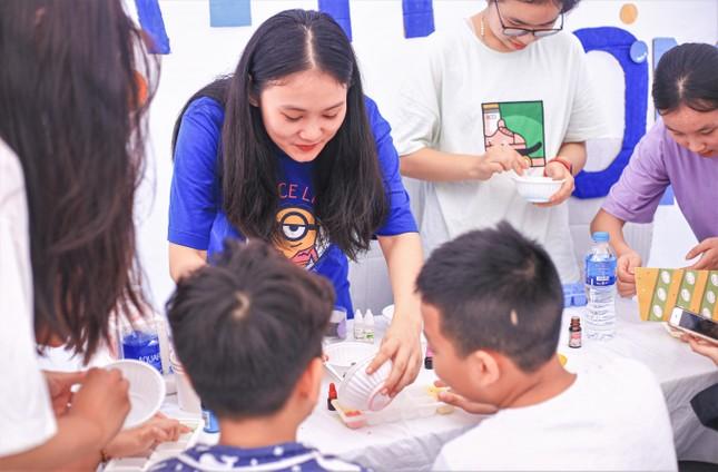Giới trẻ Hà thành mở hội chợ khám phá sở thích ảnh 5