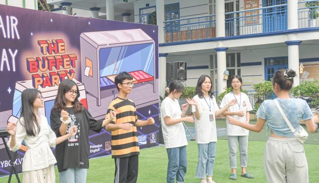 Giới trẻ Hà thành mở hội chợ khám phá sở thích ảnh 1