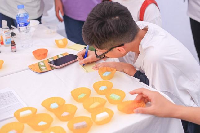 Giới trẻ Hà thành mở hội chợ khám phá sở thích ảnh 6