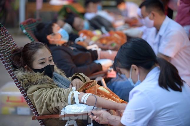 Tuổi trẻ Yên Bái xua tan giá rét, hiến máu cứu người ảnh 15