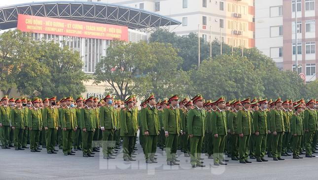 'Bóng hồng' Học viện Cảnh sát Nhân dân sẻ chia giọt hồng lan tỏa Chủ nhật Đỏ ảnh 1