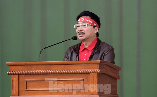 'Bóng hồng' Học viện Cảnh sát Nhân dân sẻ chia giọt hồng lan tỏa Chủ nhật Đỏ ảnh 4