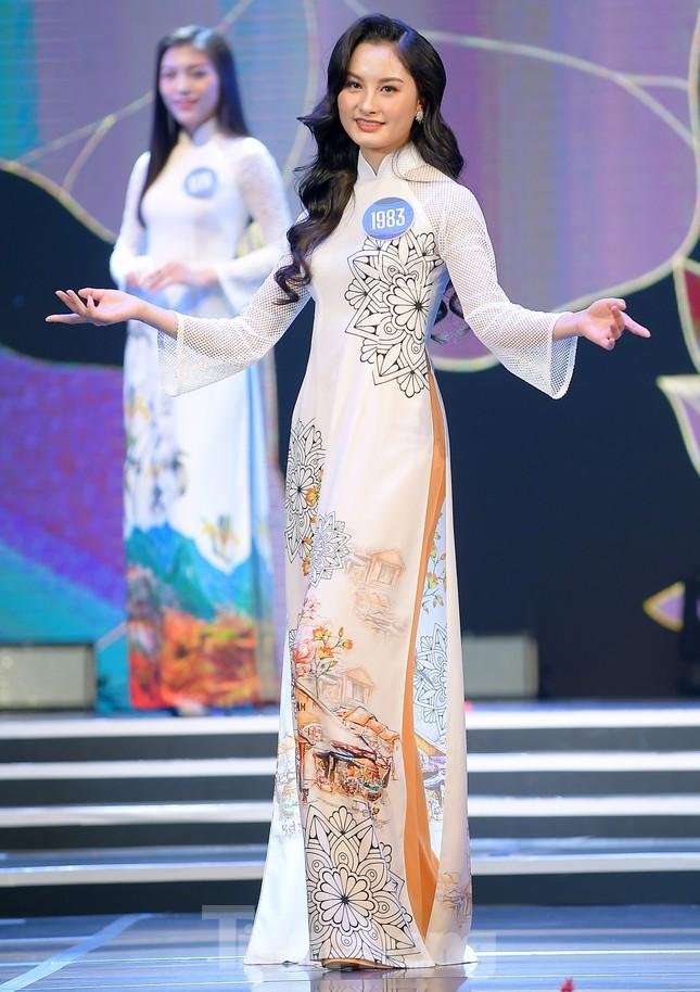 Nữ sinh ĐH Nam Cần Thơ Lê Thị Tường Vy đăng quang Hoa khôi Sinh viên Việt Nam 2020 ảnh 8