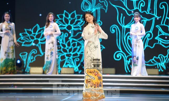 Nữ sinh ĐH Nam Cần Thơ Lê Thị Tường Vy đăng quang Hoa khôi Sinh viên Việt Nam 2020 ảnh 4