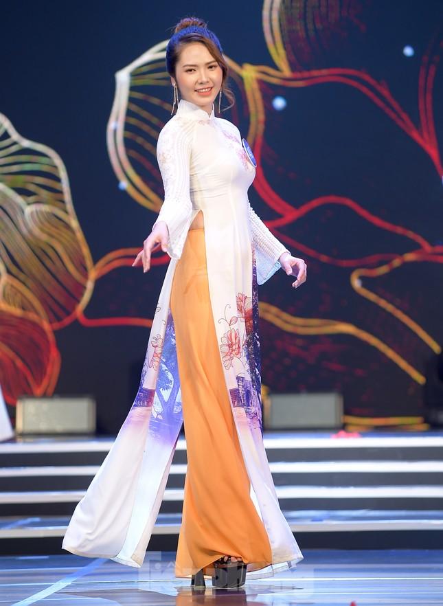 Nữ sinh ĐH Nam Cần Thơ Lê Thị Tường Vy đăng quang Hoa khôi Sinh viên Việt Nam 2020 ảnh 6