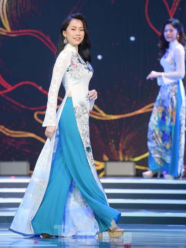 Nữ sinh ĐH Nam Cần Thơ Lê Thị Tường Vy đăng quang Hoa khôi Sinh viên Việt Nam 2020 ảnh 7