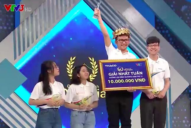 Nam sinh Quảng Ngãi ngược dòng giành vòng nguyệt quế Đường lên đỉnh Olympia ảnh 2
