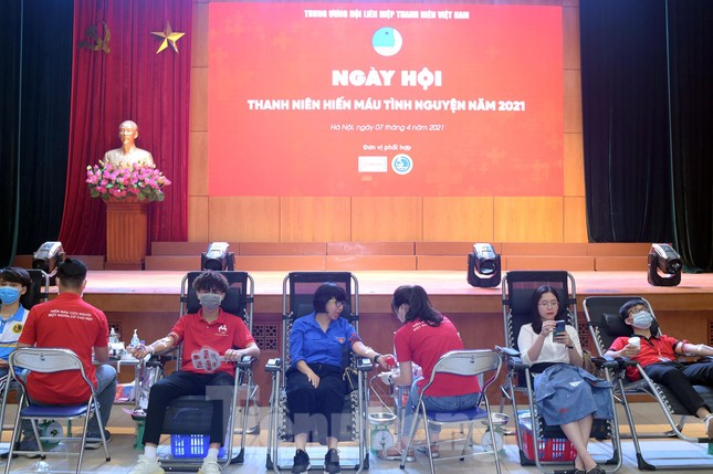 Sôi nổi Ngày hội Thanh niên tình nguyện hiến máu 2021 ảnh 1