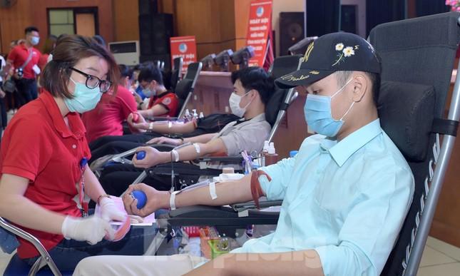 Sôi nổi Ngày hội Thanh niên tình nguyện hiến máu 2021 ảnh 4