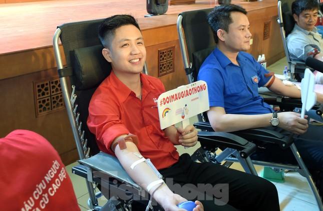 Sôi nổi Ngày hội Thanh niên tình nguyện hiến máu 2021 ảnh 7