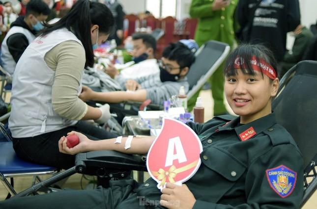 Tuổi trẻ Cảnh sát cơ động vinh dự đón nhận Huân chương Bảo vệ Tổ quốc ảnh 4