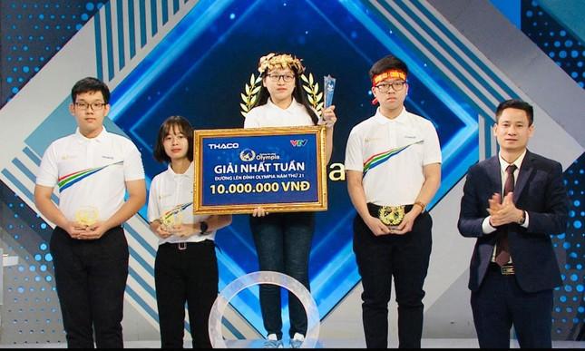 'Bản sao Lâm Vỹ Dạ' ngược dòng thành nữ sinh thứ hai giành vòng nguyệt quế Olympia 2021 ảnh 2