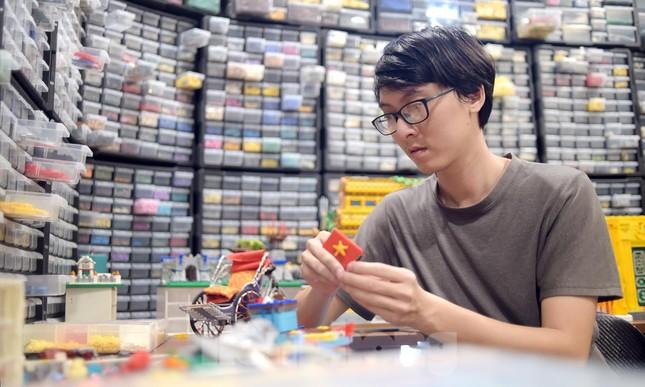 Chàng trai Việt 'đóng' tàu Hoàng Sa, Trường Sa từ mô hình Lego, tri ân ngư dân bám biển ảnh 2