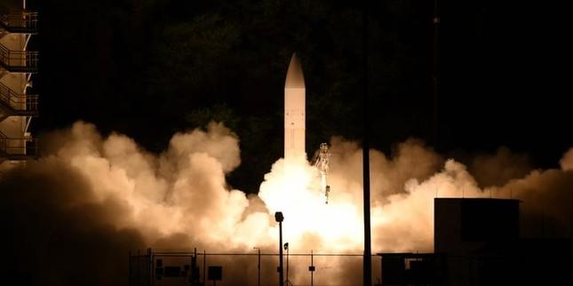 Tên lửa nhanh gấp 17 lần thông thường chỉ là lời nói khoác của tổng thống Trump? ảnh 1