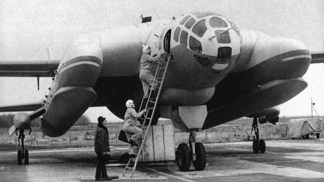 'Quái vật ba đầu diệt tàu ngầm' VVA-14, loại vũ khí quái dị của Liên Xô ảnh 1