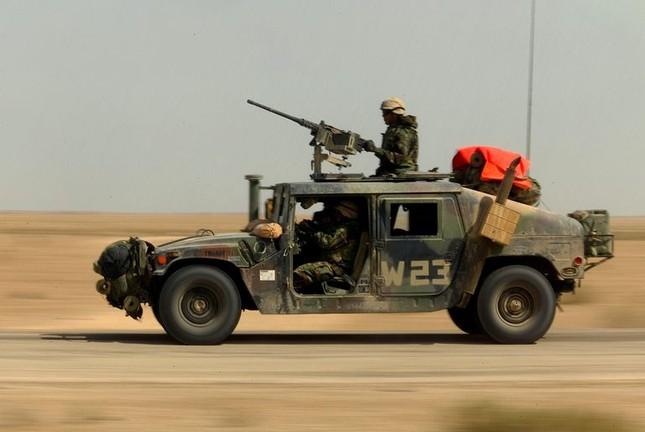 Áo giáp mới của binh sỹ quân đội Nga chống được đạn súng máy 12,7mm? ảnh 1