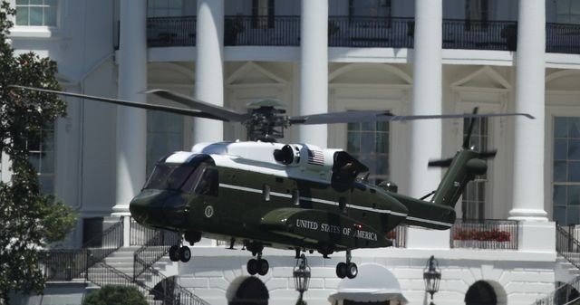 Vì sao hải quân Mỹ thay thế trực thăng chuyên cơ phục vụ tổng thống Biden? ảnh 1