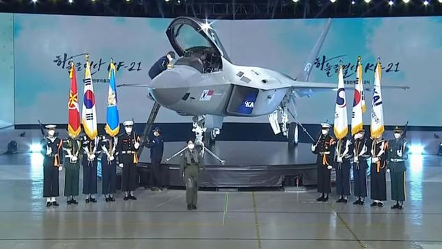 KF-21 Boramae - tiêm kích giúp Hàn Quốc trở thành nước thứ 13 phát triển được chiến đấu cơ ảnh 1