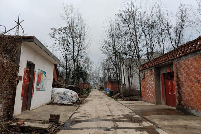 Một đám cưới nông thôn gây chấn động xã hội Trung Quốc ảnh 1