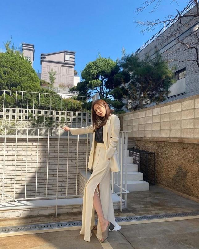Son Dam Bi tung ảnh chụp cùng trai lạ và khẳng định mới cưới, gây 'sốc' cộng đồng mạng ảnh 5
