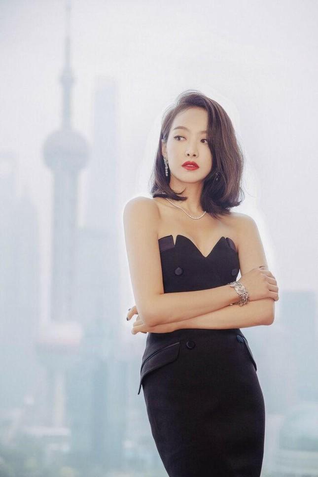 Victoria (f(x)) chính thức rời bỏ hình tượng Idol Kpop để về nhà đóng vai Tống Thiến ảnh 7