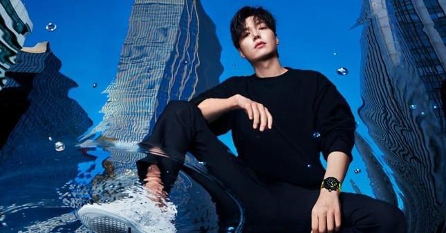 Lee Min Ho chinh phục thành công nhãn hàng khó tính Louis Vuitton ảnh 4