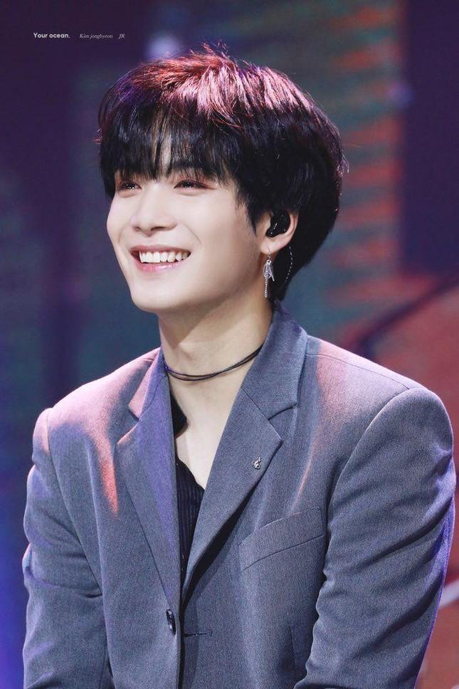 JR (NU'EST) debut với vai diễn idol K-pop trong chuyện tình hài hước ngọt ngào cùng fan nữ ảnh 5