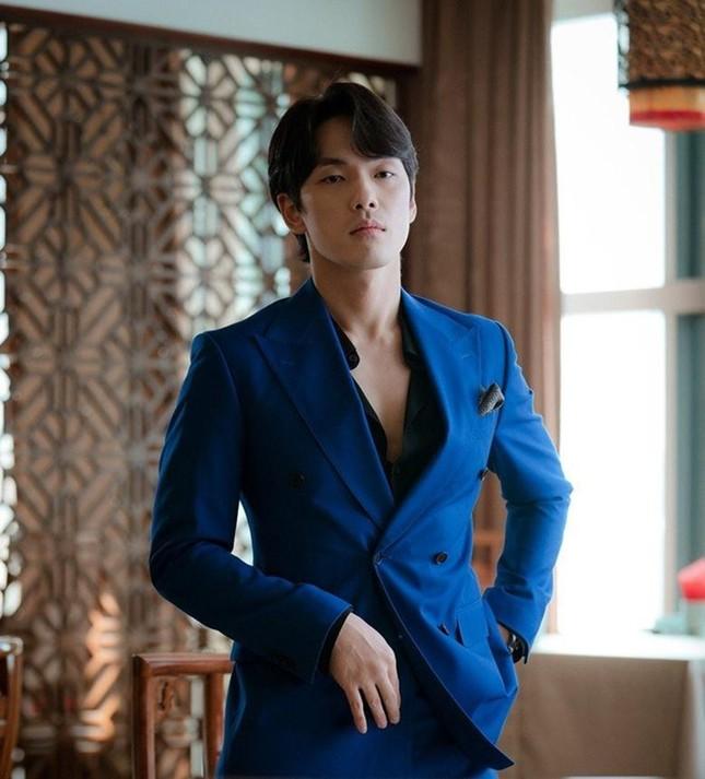 Kim Jung Hyun vẫn về chung nhà với Seo Ji Hyun dù công ty quản lý tố 'ăn cháo đá bát' ảnh 4