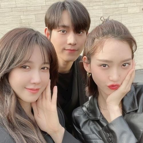 Kim Young Dae và Han Ji Hyun tình trong bể tình khiến netizens 'bấn loạn' vì quá đẹp đôi ảnh 8