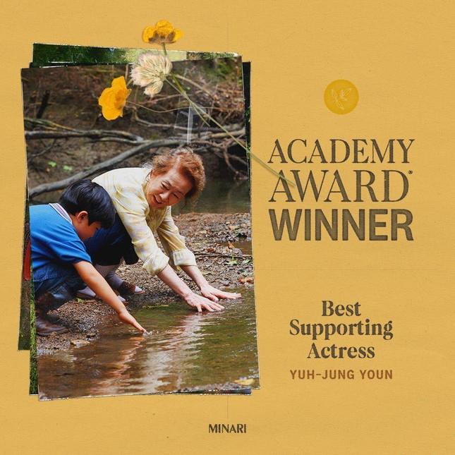 Youn Yuh Jung làm nên lịch sử khi giành giải Oscar 'Nữ diễn viên phụ xuất sắc nhất' ảnh 7