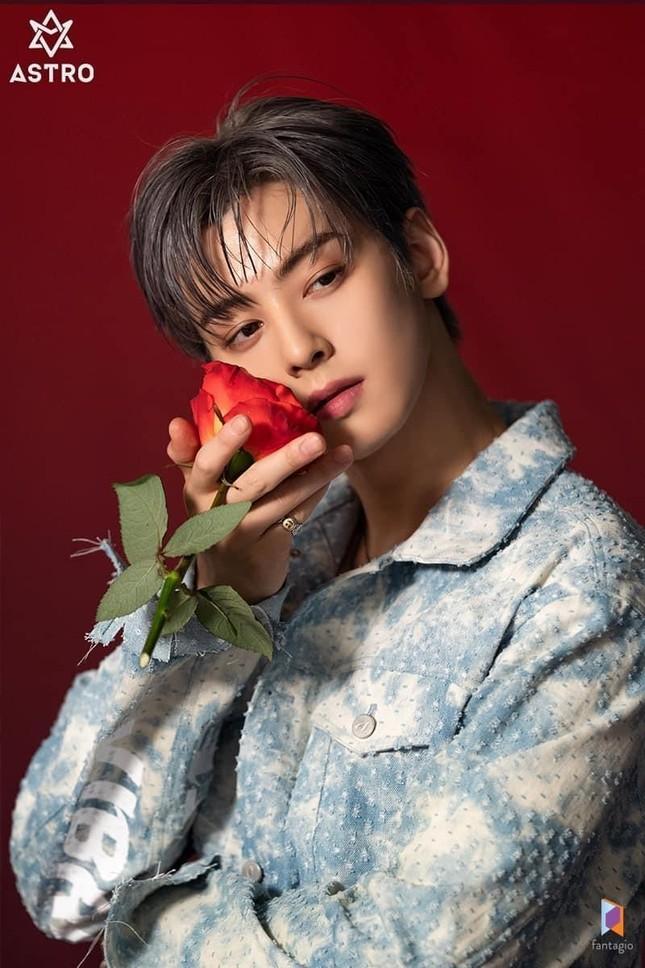 Hot: Cú 'hợp tam' độc nhất vô nhị của các mỹ nam đại diện 3 thế hệ của điện ảnh xứ Hàn ảnh 11
