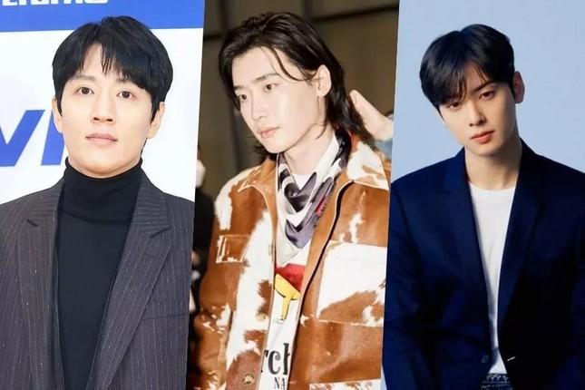 Hot: Cú 'hợp tam' độc nhất vô nhị của các mỹ nam đại diện 3 thế hệ của điện ảnh xứ Hàn ảnh 6