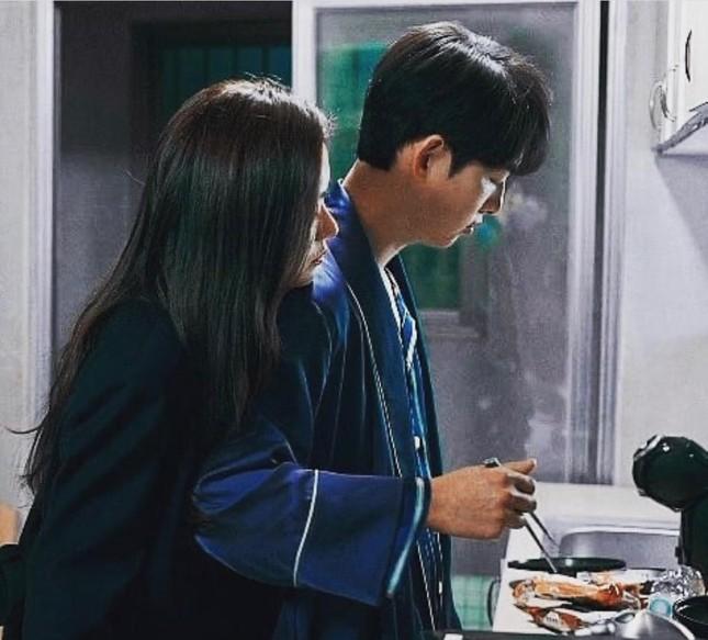 Song Joong Ki và 'Vincenzo' đứng đầu BXH 3 tuần liên tiếp, tiết lộ đám cưới cuối phim ảnh 11